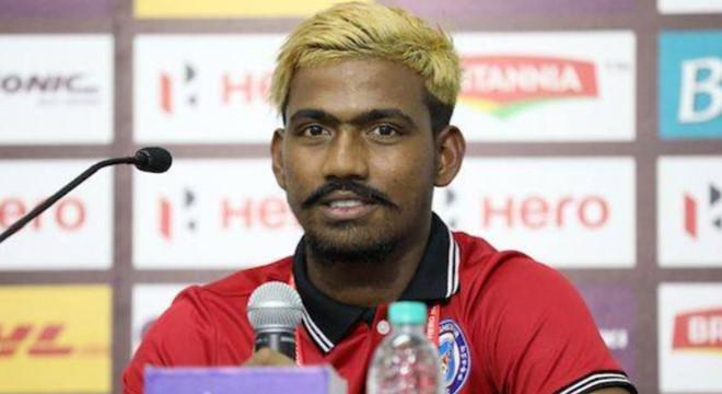 Cầu thủ Ấn Độ bị cấm thi đấu vì gian lận tuổi 1