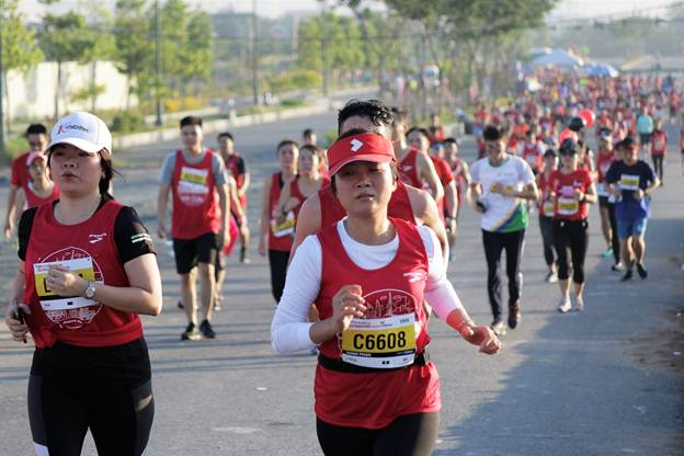 Giải Marathon Quốc tế Techcombank 2018 - nóng hơn bao giờ hết 2