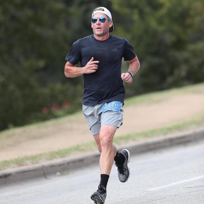 Lance Armstrong tái xuất trên đường đua... marathon 2