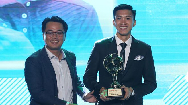 Quang Hải giành Quả bóng Vàng 2018 2