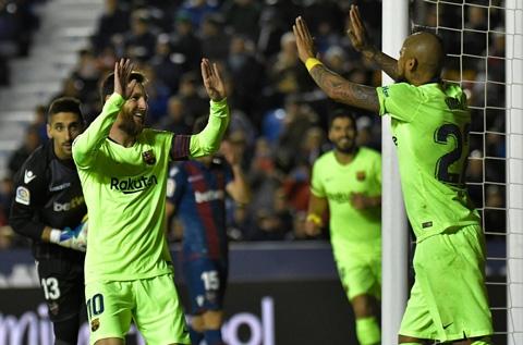 Video tổng hợp bàn thắng - Messi lập hat-trick trong ngày Barcelona vùi dập Levante 3