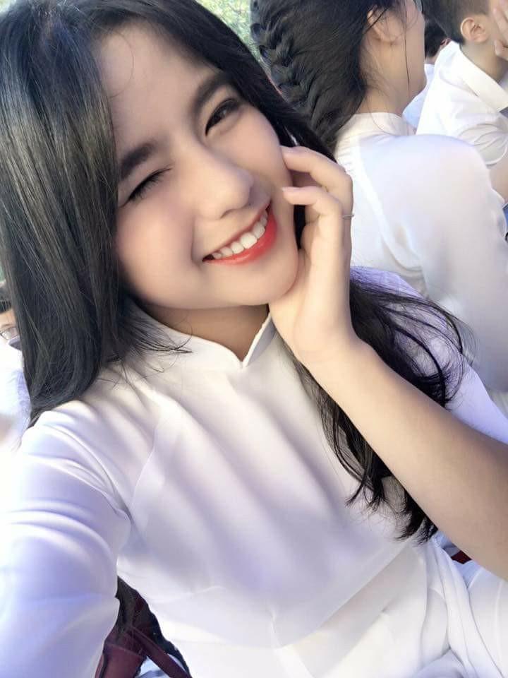 Gái xinh mặc áo dài trắng đẹp dịu dàng duyên dáng Việt Nam 16