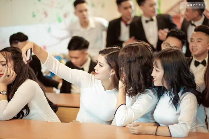 Gái xinh mặc áo dài trắng đẹp dịu dàng duyên dáng Việt Nam 18