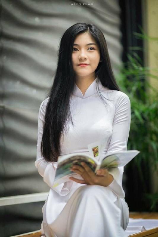 Gái xinh mặc áo dài trắng đẹp dịu dàng duyên dáng Việt Nam 3