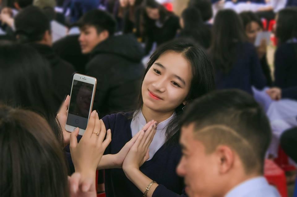 Gái xinh mặc áo dài trắng đẹp dịu dàng duyên dáng Việt Nam 23