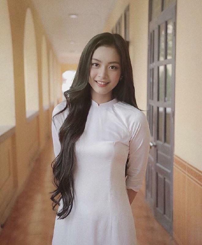 Gái xinh mặc áo dài trắng đẹp dịu dàng duyên dáng Việt Nam 25