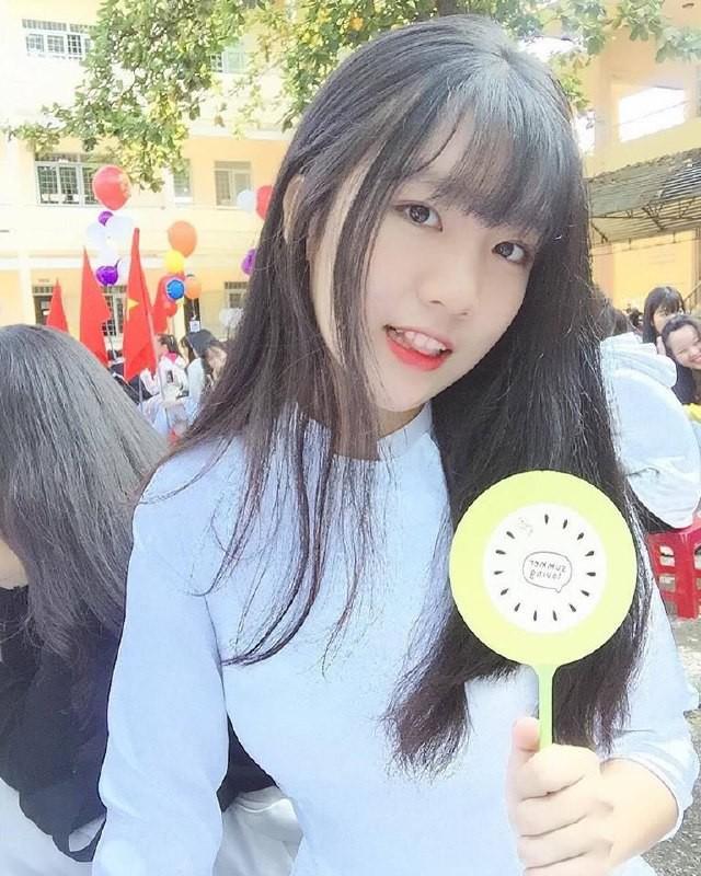 Gái xinh mặc áo dài trắng đẹp dịu dàng duyên dáng Việt Nam 27