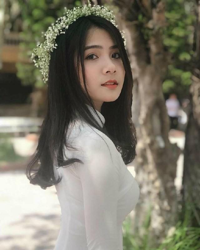 Gái xinh mặc áo dài trắng đẹp dịu dàng duyên dáng Việt Nam 29