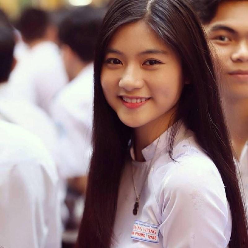 Gái xinh mặc áo dài trắng đẹp dịu dàng duyên dáng Việt Nam 30