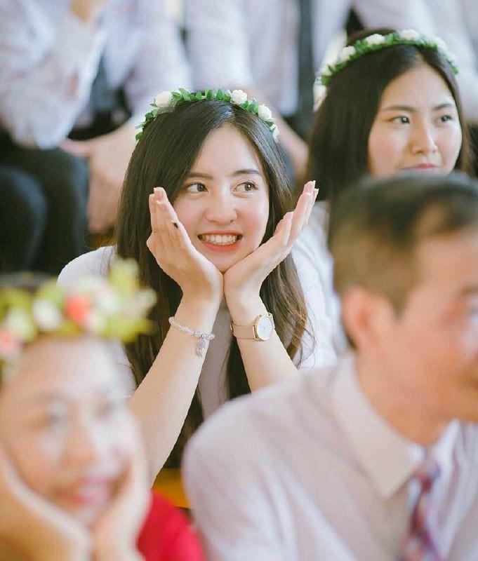 Gái xinh mặc áo dài trắng đẹp dịu dàng duyên dáng Việt Nam 32
