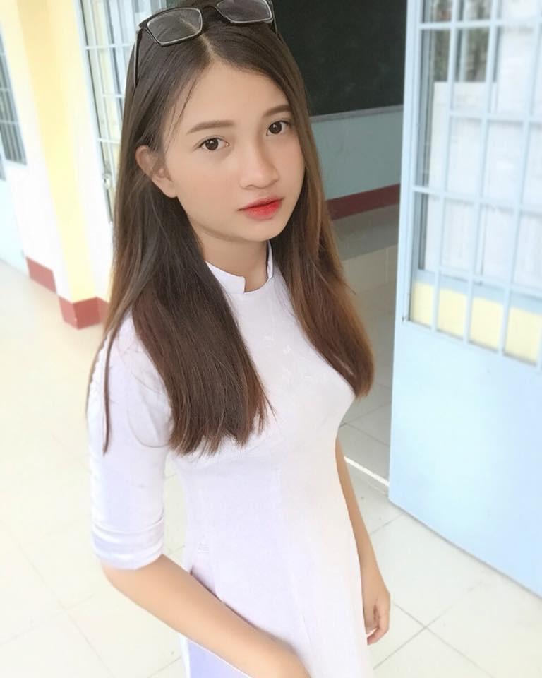 Gái xinh mặc áo dài trắng đẹp dịu dàng duyên dáng Việt Nam 9