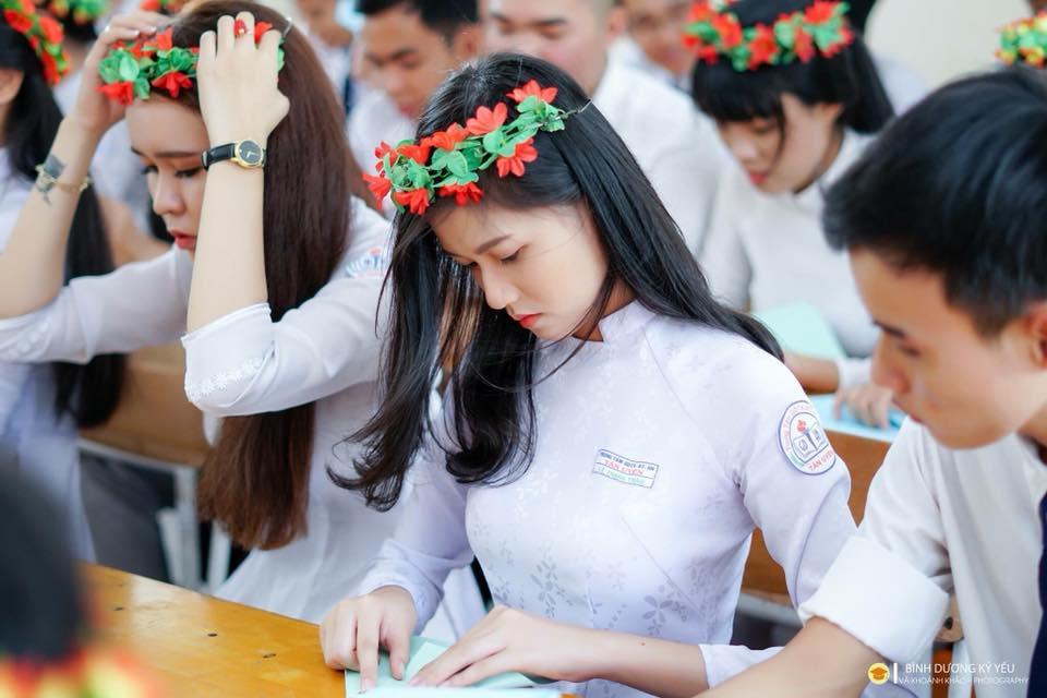 Gái xinh mặc áo dài trắng đẹp dịu dàng duyên dáng Việt Nam 10
