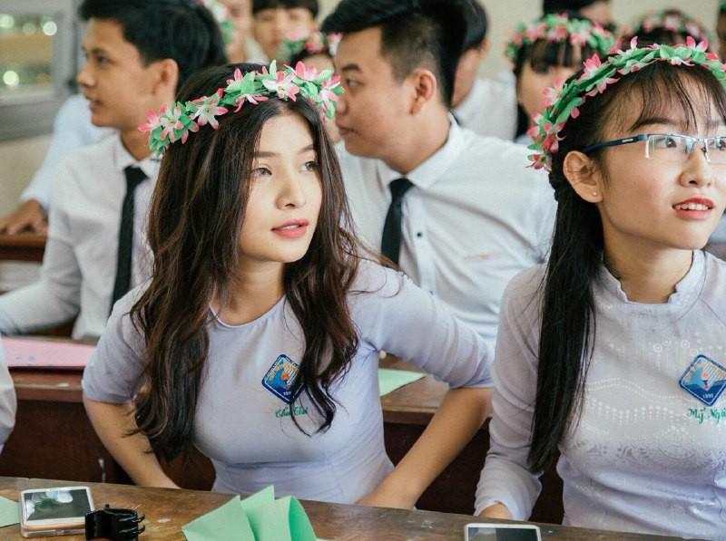 Gái xinh mặc áo dài trắng đẹp dịu dàng duyên dáng Việt Nam 1