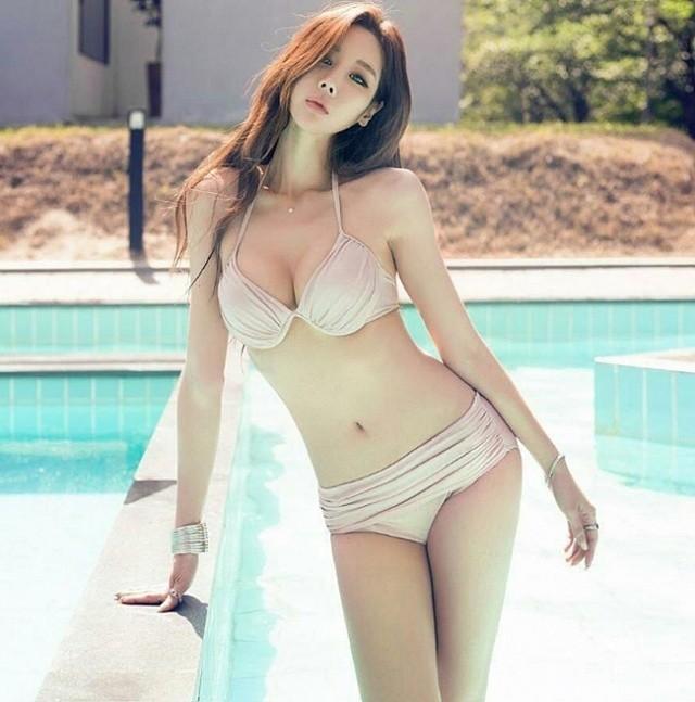 Ảnh gái xinh Hàn Quốc mặc Bikini khoe vòng 1 15