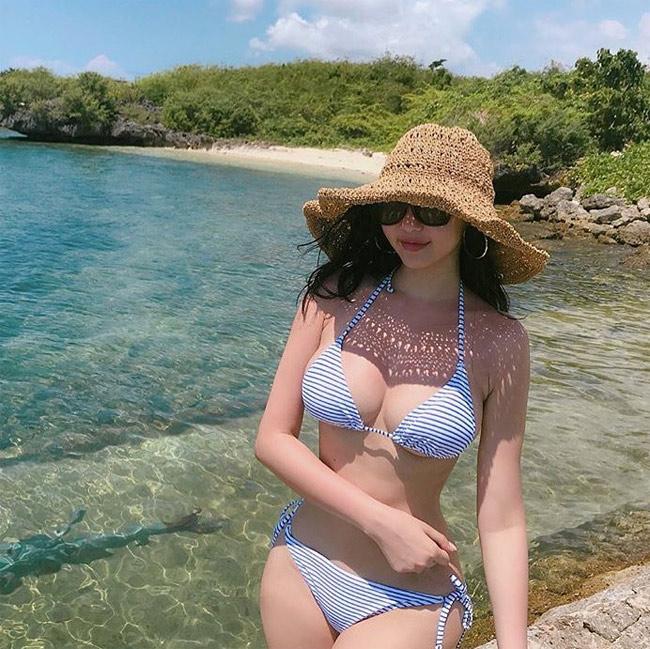 Ảnh gái xinh Hàn Quốc mặc Bikini khoe vòng 1 21