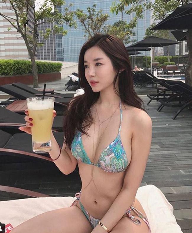 Ảnh gái xinh Hàn Quốc mặc Bikini khoe vòng 1 24