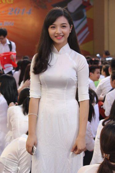 Hình nền gái xinh áo dài, ảnh gái đẹp hot girl dễ thương 12
